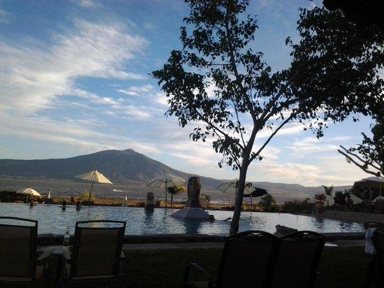 Hotel Balneario San Juan Cosala: The veiw during dinner .