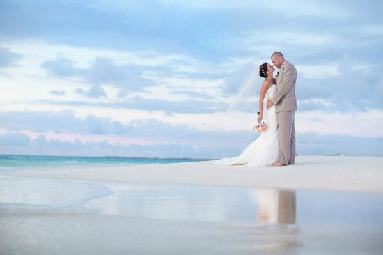 Manchebo Beach Resort & Spa: Wonderful Wedding at Manchebo