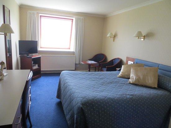 Alexandra Hotel : Bed