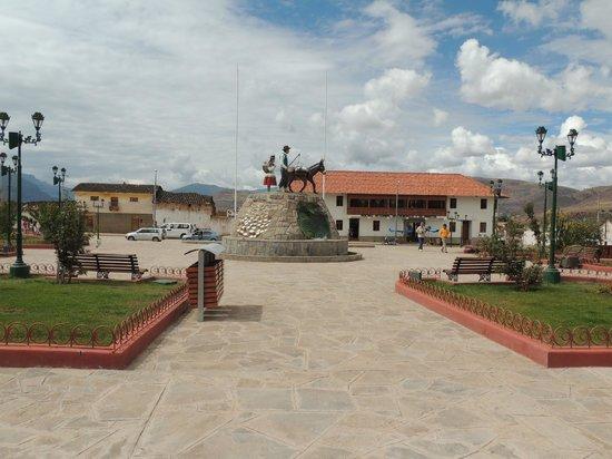 Salinas de Maras: Maras: Main Plaza