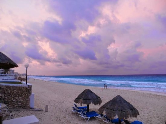Royal Solaris Cancun: sunset