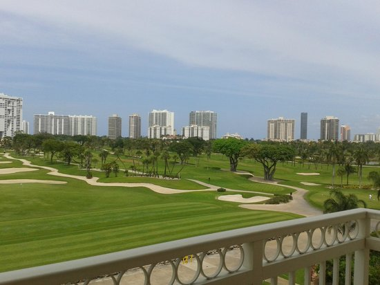 Turnberry Isle Miami, Autograph Collection : Vista desde el balcón