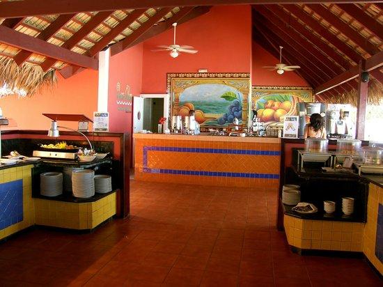 Grand Bahia Principe El Portillo: beach restaurant