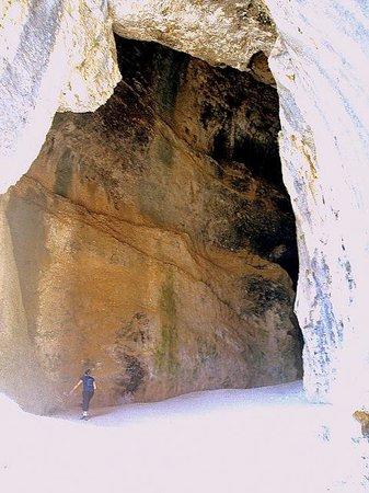 Parque Natural del Cañón del Río Lobos: La Gran Cueva.