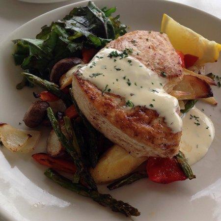 Beach House Restaurant: Swordfish... Yum!