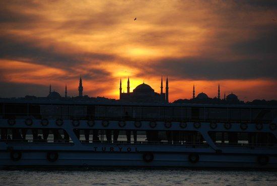 Tramonto su Sultanhamet - Foto di Kadikoy Istanbul Boga ...