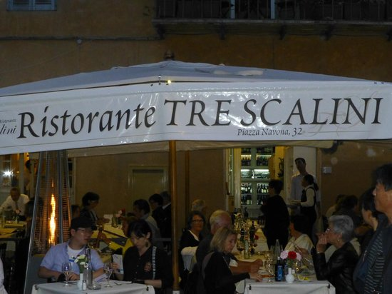 Bar Tre Scalini : Looking At The Restaurant from the Square