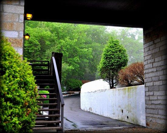 Skyline Lodge and Restaurant: Architecture