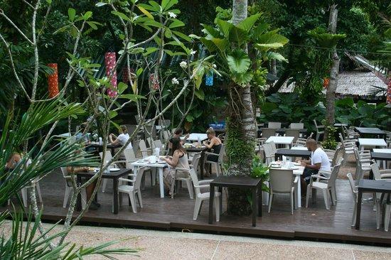 Dream Valley Resort: Comedor al aire libre
