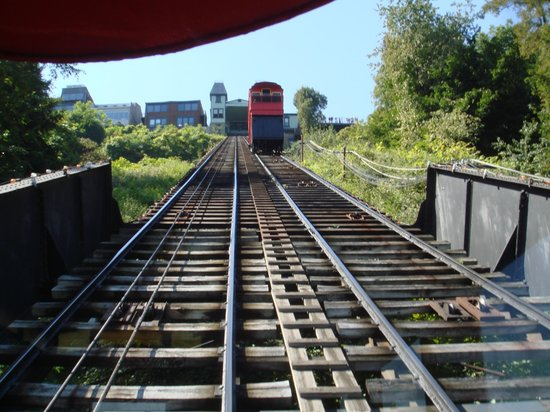 Duquesne Incline: Not much traffic.