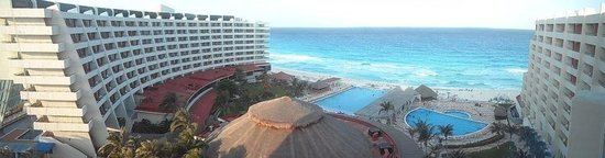 Crown Paradise Club Cancun: Great view from the VIP room