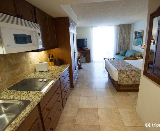 luana waikiki hotel suites 116 1 5 8 updated. Black Bedroom Furniture Sets. Home Design Ideas