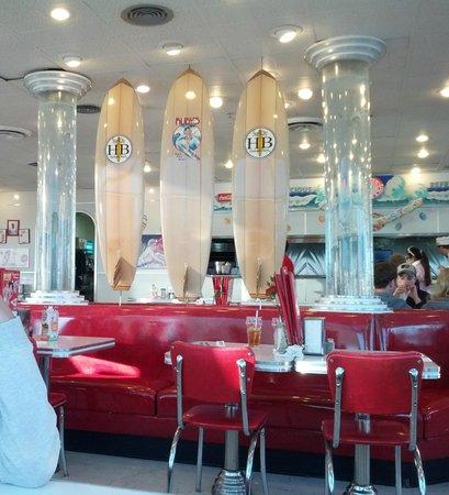 Ruby's Diner: Nice decor