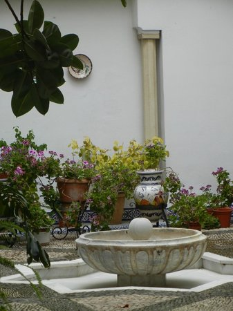 Ayre Hotel Cordoba: Courtyard