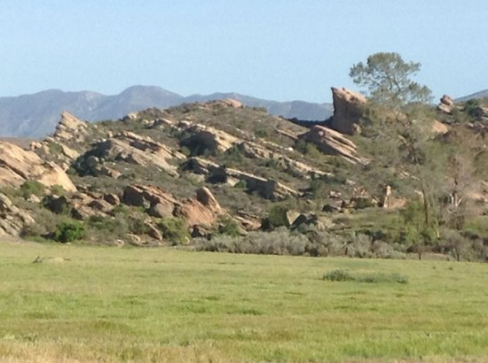 Vasquez Rocks Natural Area : On the way to the park.