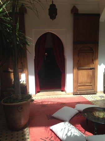Riad Limouna: Doorway