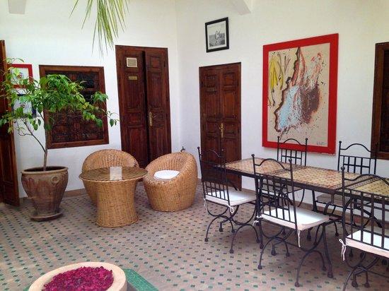 Riad Limouna : Sitting area on the  main level