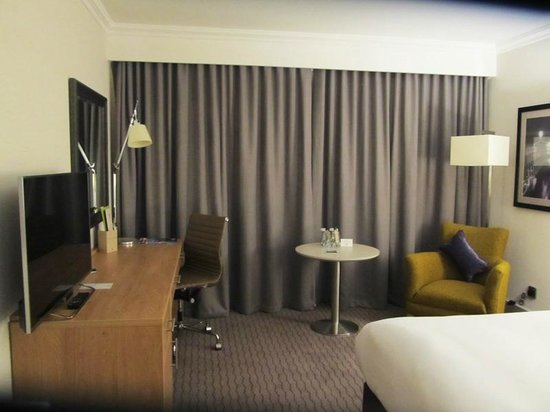 DoubleTree by Hilton Hotel Dublin - Burlington Road: bedroom