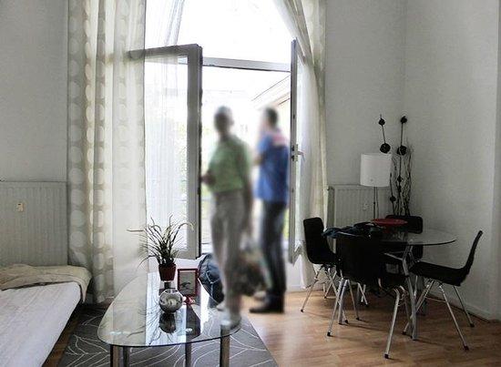 Brussels City Centre Apartments: Coin salon du studio