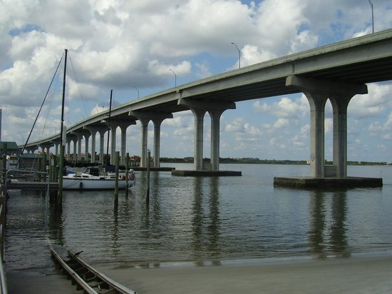 Hampton Inn & Suites St. Augustine - Vilano Beach: Vilano Beach Bridge from Beaches