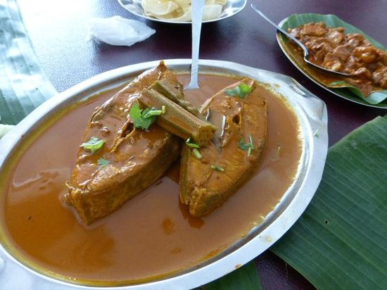 Jothy's Fish Head Curry and Banana Leaf Restaurant: Fish curry