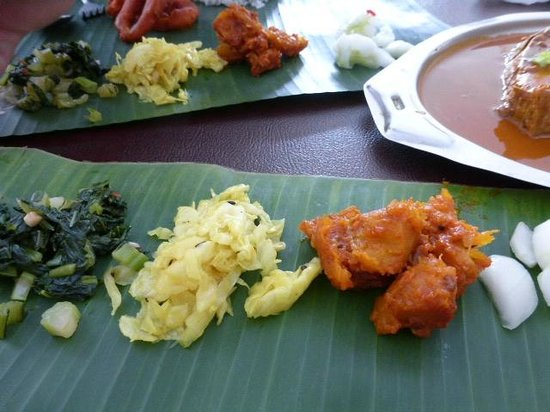 Jothy's Fish Head Curry and Banana Leaf Restaurant: side dishes