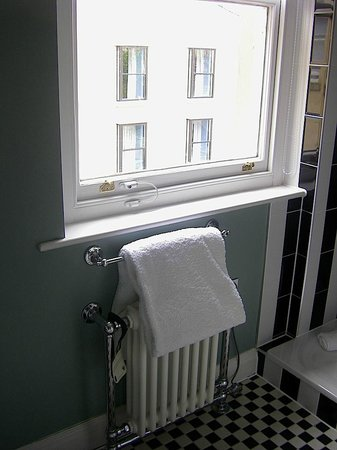Francis Hotel Bath - MGallery by Sofitel : Bathroom window