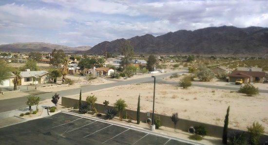 Holiday Inn Express & Suites Twentynine Palms- Joshua Tree: View from my room 1