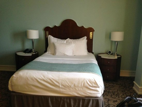 The Peabody Memphis: Queen room 835