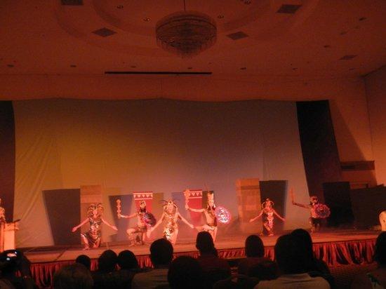 Azul Ixtapa Grand Spa & Convention Center : nightly show