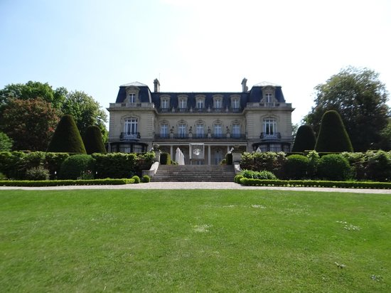 Chateau Les Crayeres: Patio trasero