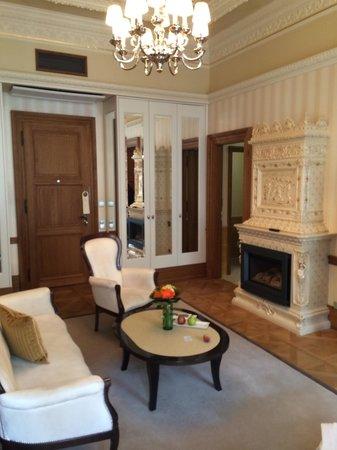 Quisisana Palace: Suite living room