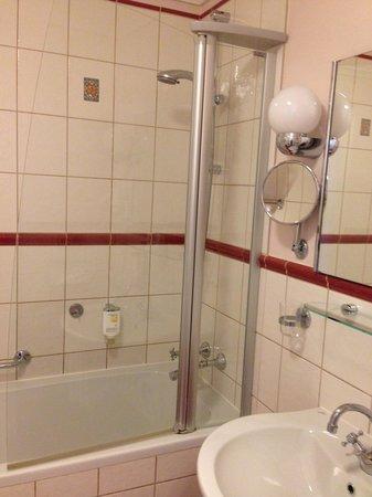 Boutique Hotel Seven Days : Baño limpio