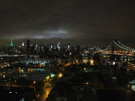 Z NYC Hotel : panorama notturno dal tetto