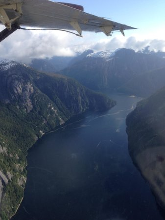 Misty Fjords National Monument : flying over the Fjords