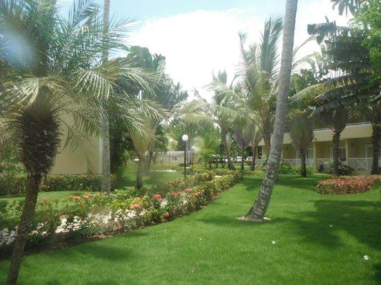 Grand Bahia Principe El Portillo : imaculate grounds
