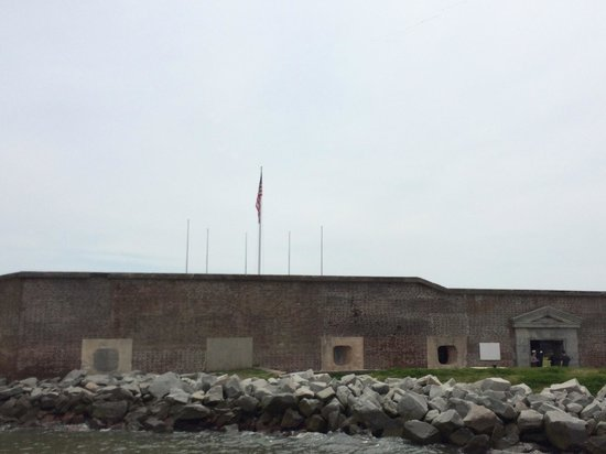 Fort Sumter National Monument: Sailing up to Fort