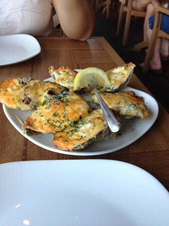 Crabby Bill's Clearwater Beach: banked stuffed Crabbyfeller oysters