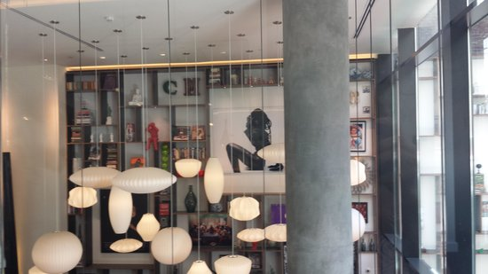 citizenM New York Times Square : Lobby area