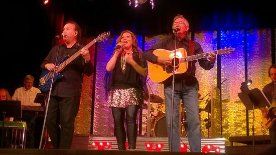 Main Street Live: Grapevine Opry Show - Country Music in Texas