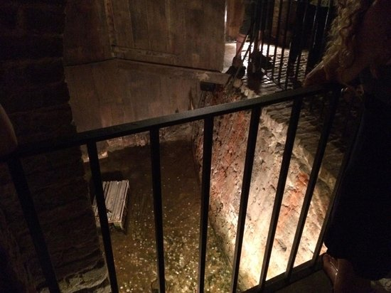 Old Exchange & Provost Dungeon : Down Below- Real Walls Discovered