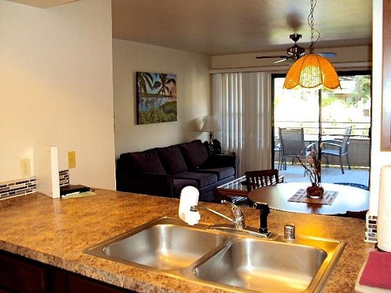 Kihei Bay Vista: Spacious living room