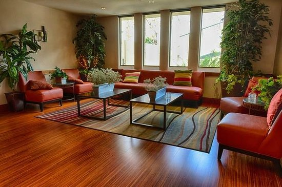 San Vicente Golf Resort: The Par Lounge relaxing area