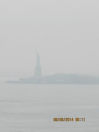 Free Tours by Foot: STATUE OF LIBERTY FROM BROOKLYN BRIDGE