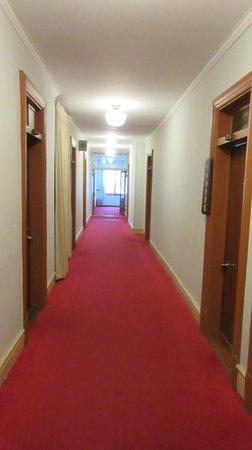 Nikko Kanaya Hotel: Hallway in main building