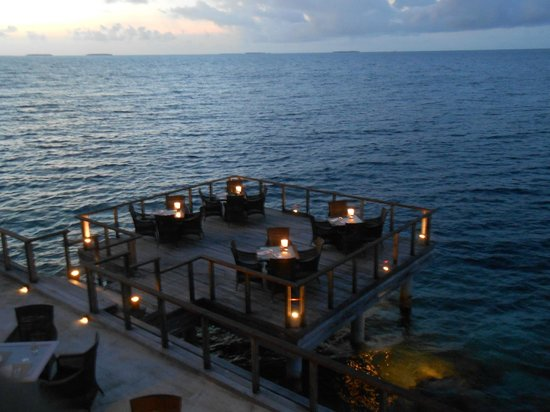 Dusit Thani Maldives: レストラン