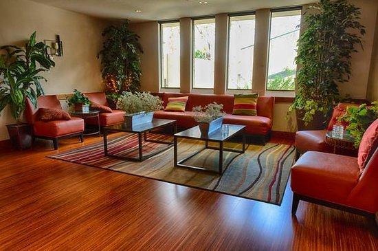 San Vicente Golf Resort: Par Lounge Dining Area
