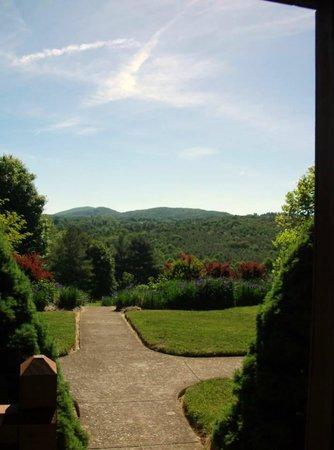 Mountain Song Inn: Balcony 4