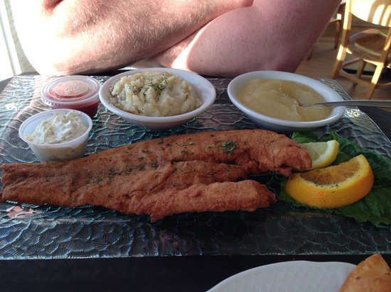 Billfish Bar & Grill : Fried grouper