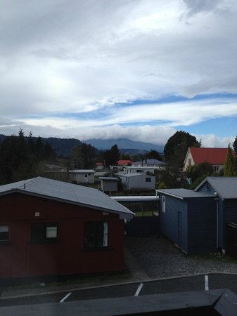 LKNZ Lodge: View of Mt Raupehu from our room